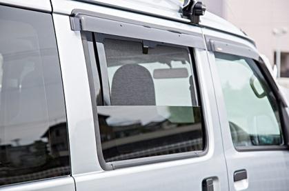 軽キャンピングカーちょいCamオプション「後席用網戸」