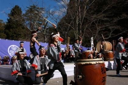 軽キャンピングカーちょいCamで実際に撮りに行ったお祭りでの和太鼓演奏の写真
