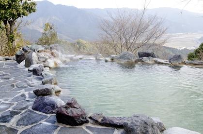 軽キャンピングカーで行く温泉のイメージ
