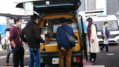軽キャンピングカーちょいCamが出展する展示されている神奈川キャンピングカーフェアin川崎競馬場でのちょいCamとお客様